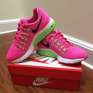 🍉Nike Zoom Structure 19, Size 7
